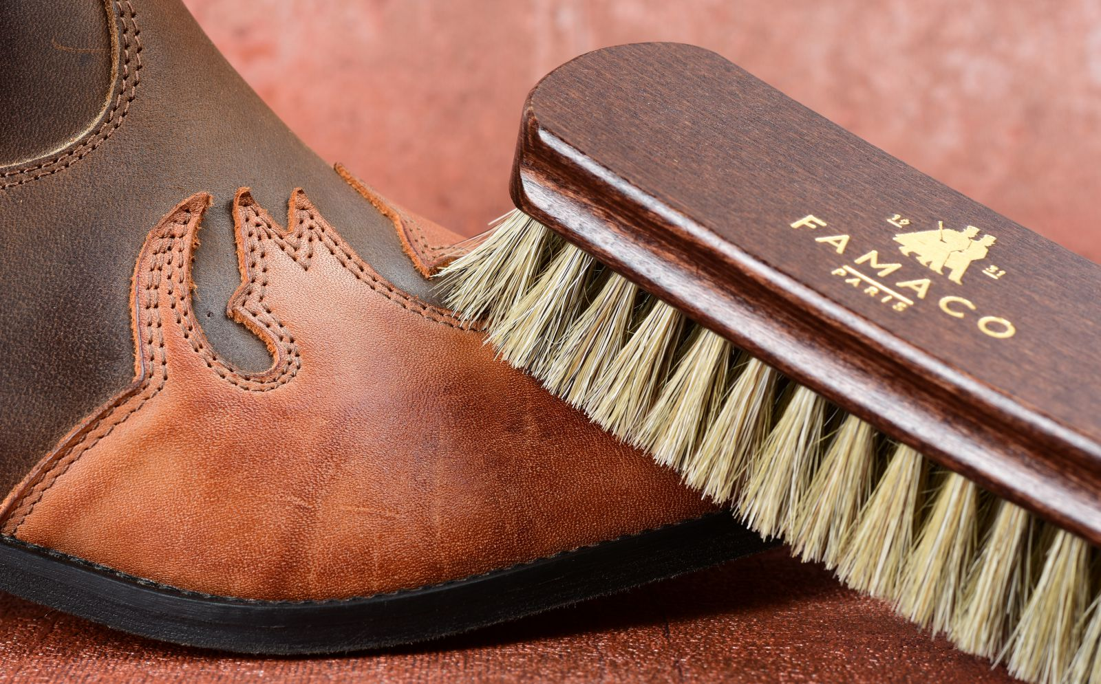 kartáč na boty, leštící kartáč
