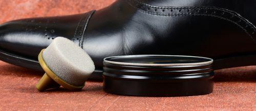 vosk na boty, vosk na kůži, včelí vosk, jak voskovat a leštit boty