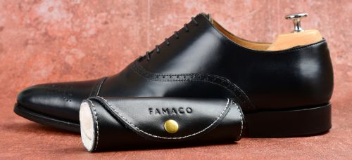 leštící rukavice, boty