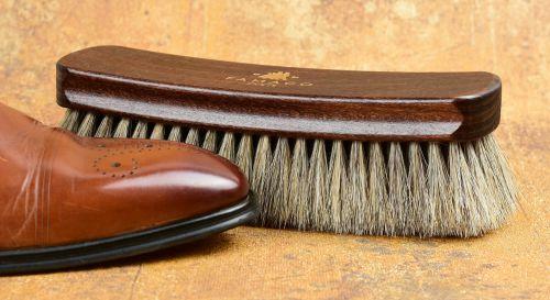 Kartáč na kožené boty