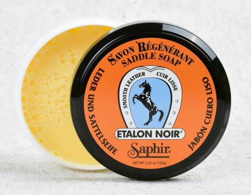Glycerinové mýdlo na kůži Saphir