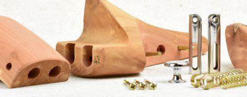 Cedrové napínáky do bot Famaco