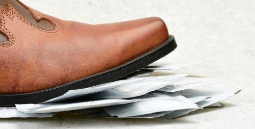 Vlhčený čistící ubrousek na boty
