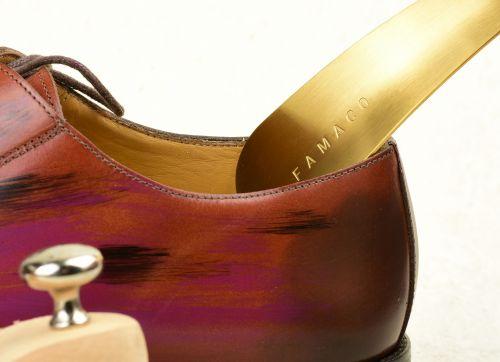 Kovová obouvací lžíce na boty